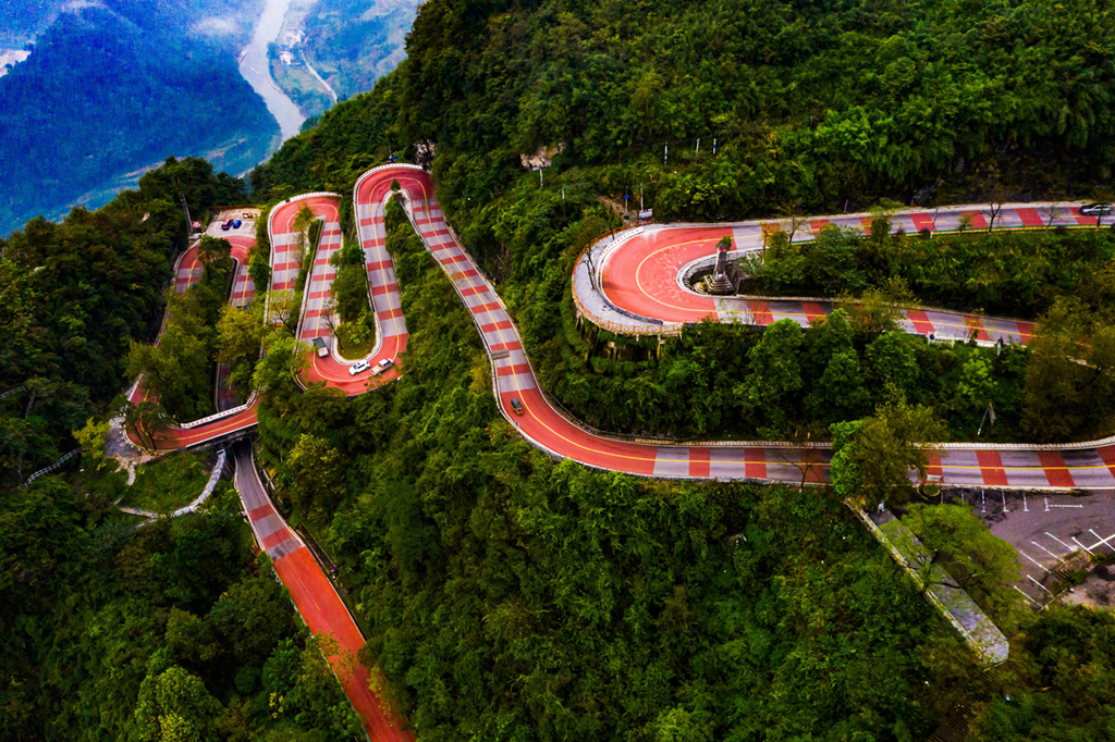 Aizhai Winding Road has a new look